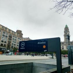 Aliados Metro Station