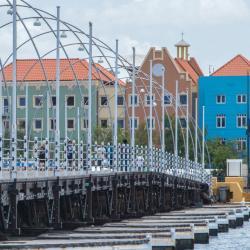 Queen Emma Bridge, Willemstad