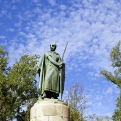 Dom Afonso Henriques Statue