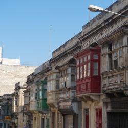 Manuelio Dimecho gatvė, Slima