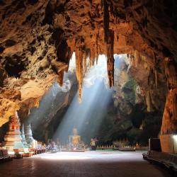 Phetchaburi Province 67 three-star hotels