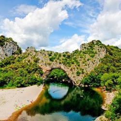 Ardèche 31 beach hotels