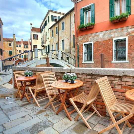 Join the Venetians on a Bacari Tour