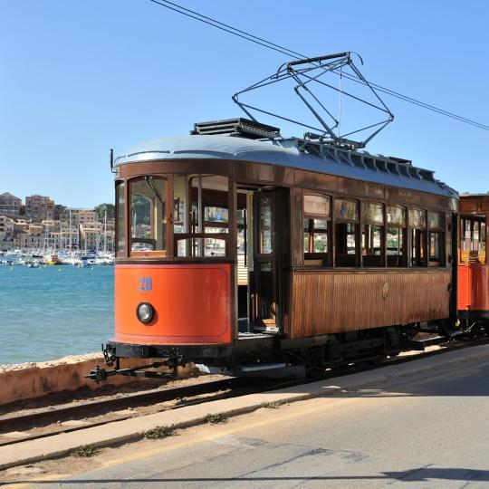 Trayecto en tren al Puerto de Sóller