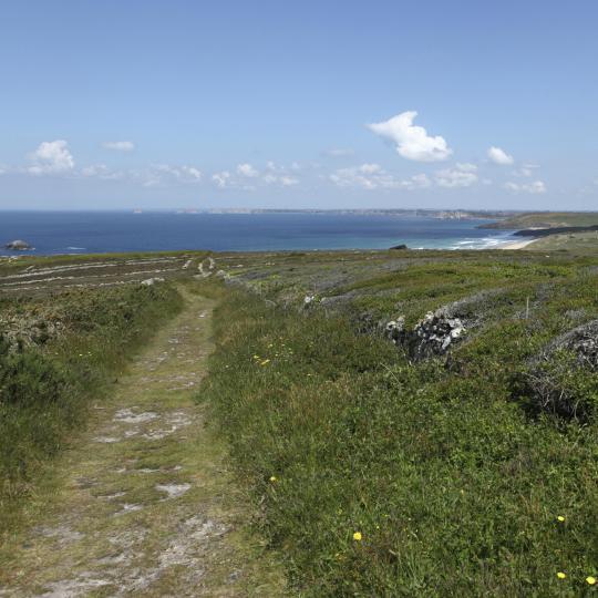 Randonnée le long de la côte sur le sentier GR34