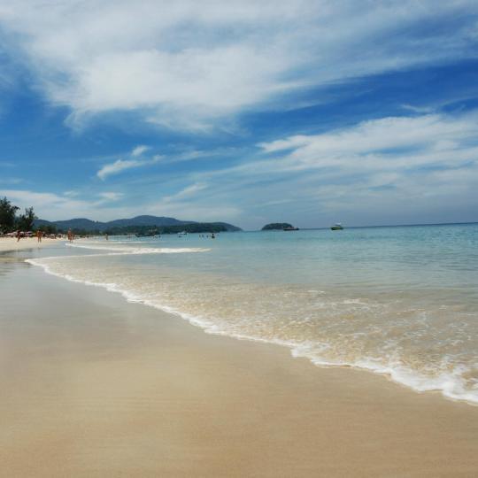 Karonas pludmale