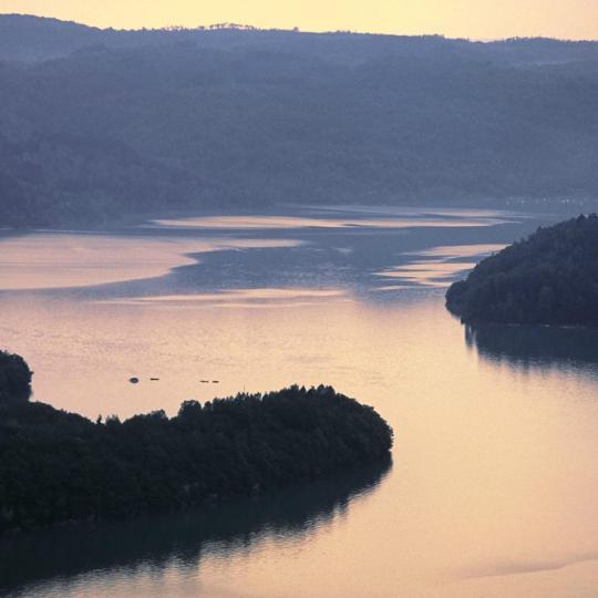 Sports nautiques sur le lac de Vouglans
