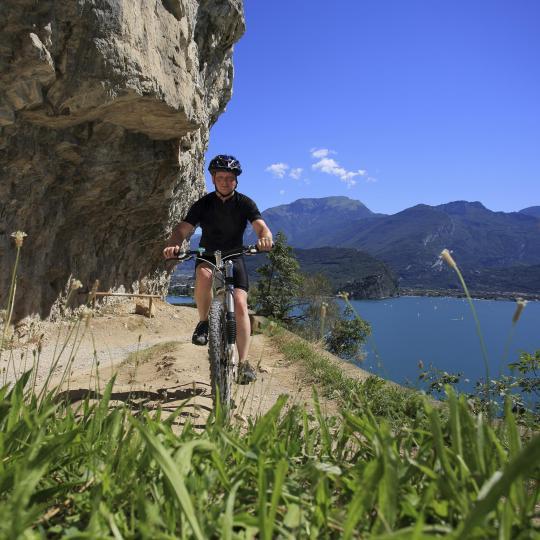 Una passeggiata a piedi o in bicicletta sulla splendida Isola d'Elba