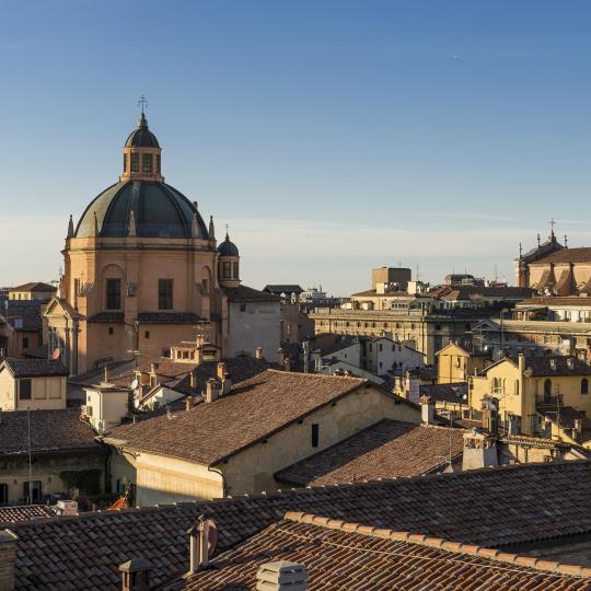 Experience old Bologna's sights and flavours