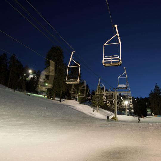 Night skiing in Pozza di Fassa