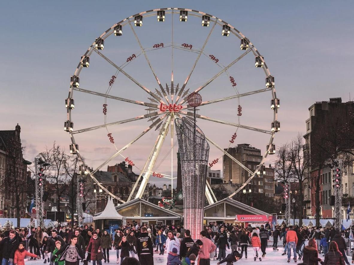 Take a ride on the ferris wheel for a bird's-eye-view of the market