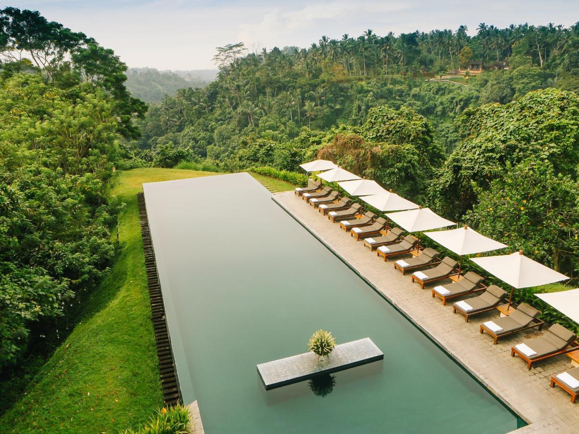 11 breathtaking infinity pools  Booking.com