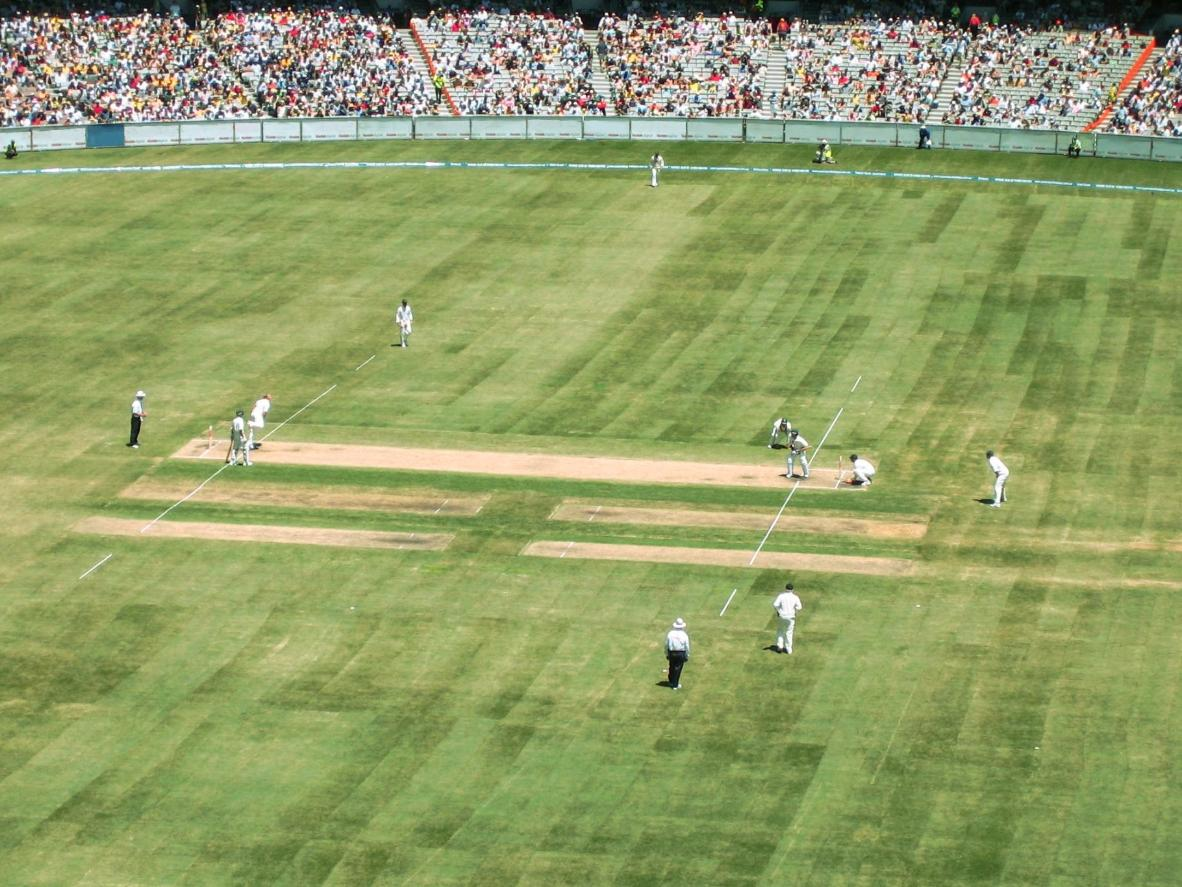 Shane Warne bowling at the Melbourne Cricket Ground
