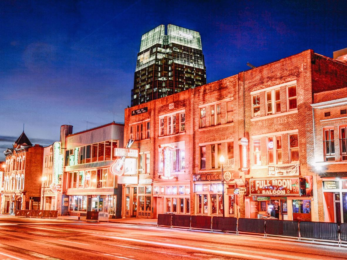 Catch a country show on Broadway in downtown Nashville