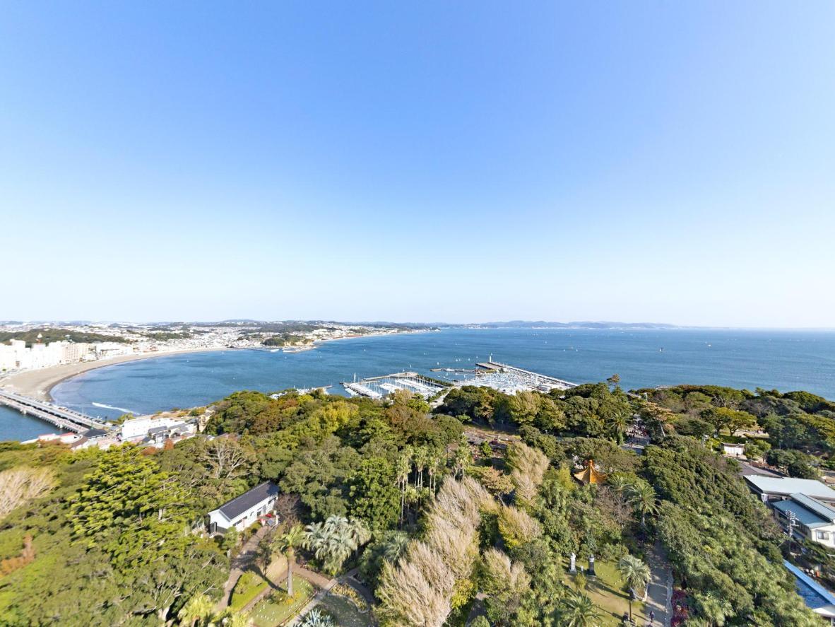 Muutama tunti vierähtää helposti Enoshiman kasvitieteellisessä puutarhassa vaellellen