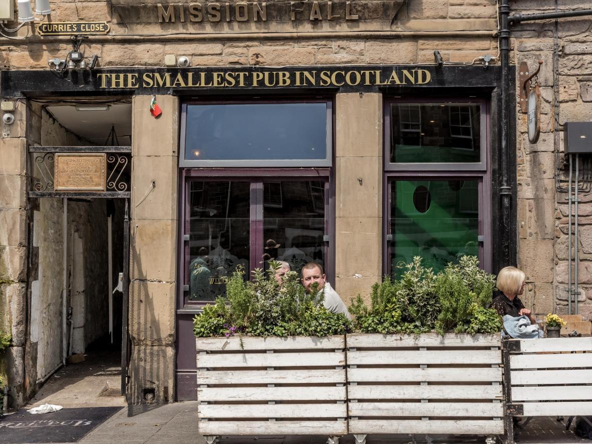 The Wee Pub in Edinburgh – ein winziger Pub mit riesiger Whisky-Auswahl