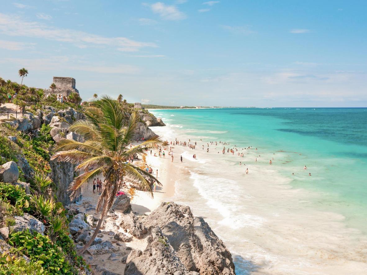 Las torres de vigilancia mayas se asoman al mar Caribe en Tulum