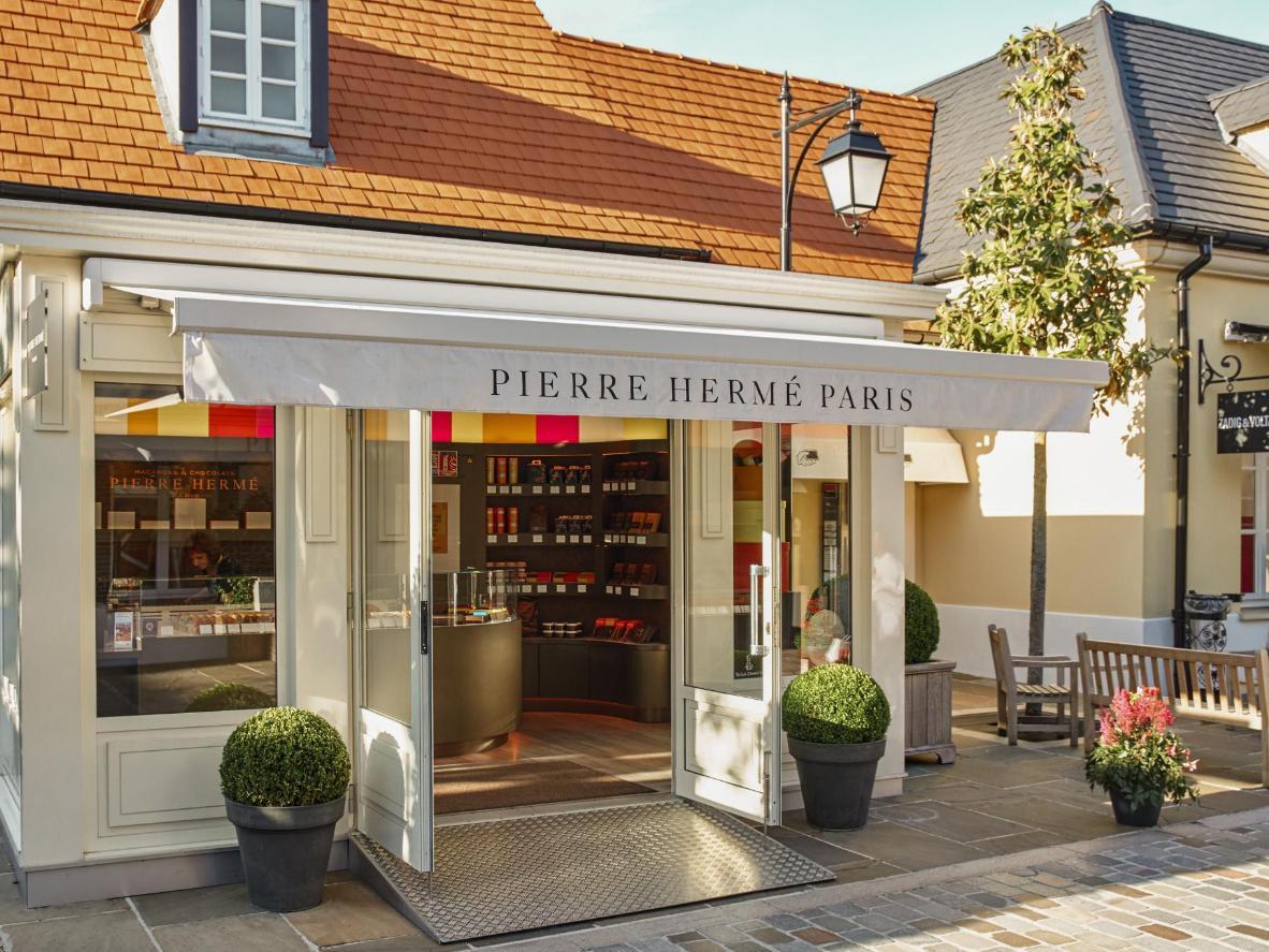 """Pasticceria e cioccolato """"firmati"""" al negozio di Pierre Hermé"""
