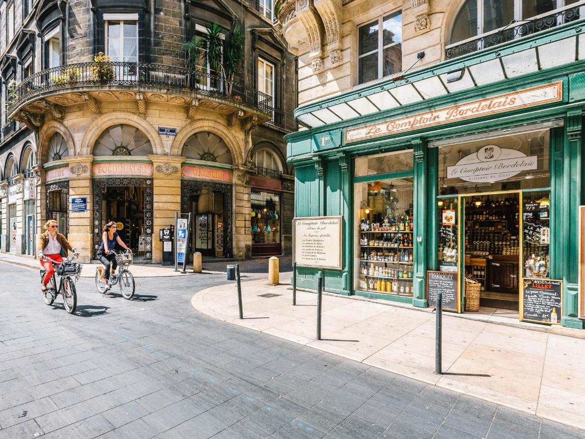 Bordeaux was awarded the official 'vélotouristique' (bicycle tourism) label in 2011