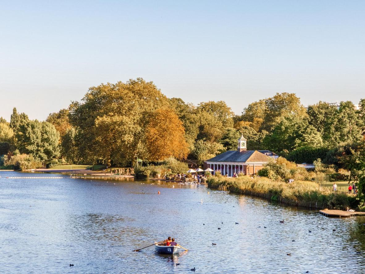 The Serpentine lake in Hyde Park