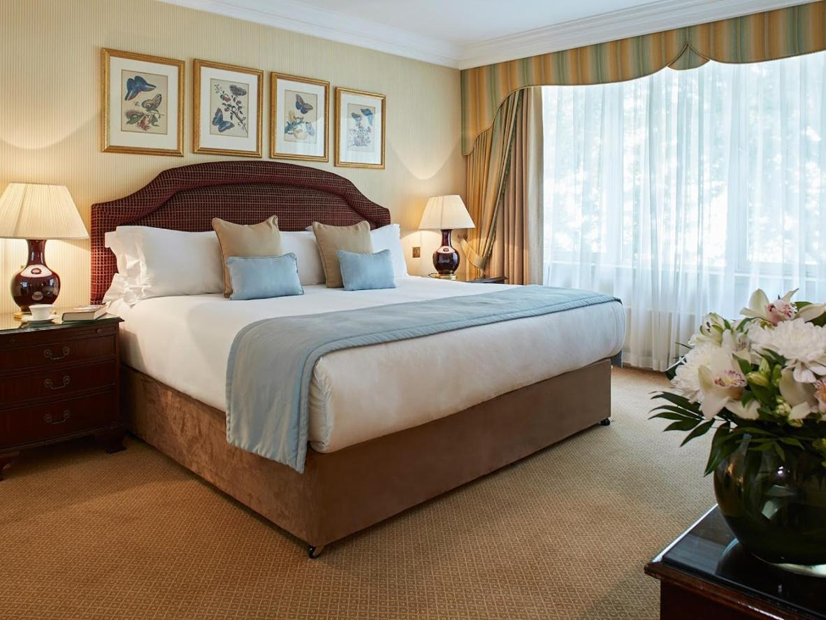 Each Georgian-style suite is furnished with old-world furniture and modern facilities