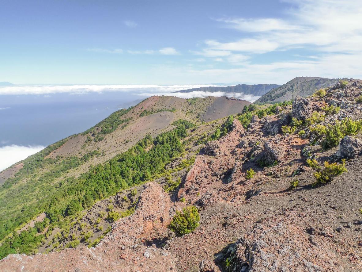 Mondlandschaften und die hoch aufragenden Gipfel des Malpaso erwarten Sie auf El Hierro