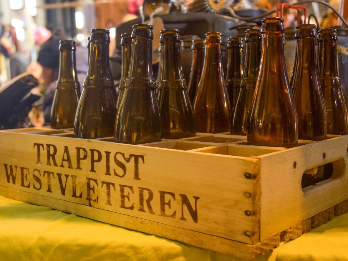 Wenn Sie einen Kasten von diesem Bier haben wollen, müssen Sie ihn im Kloster kaufen