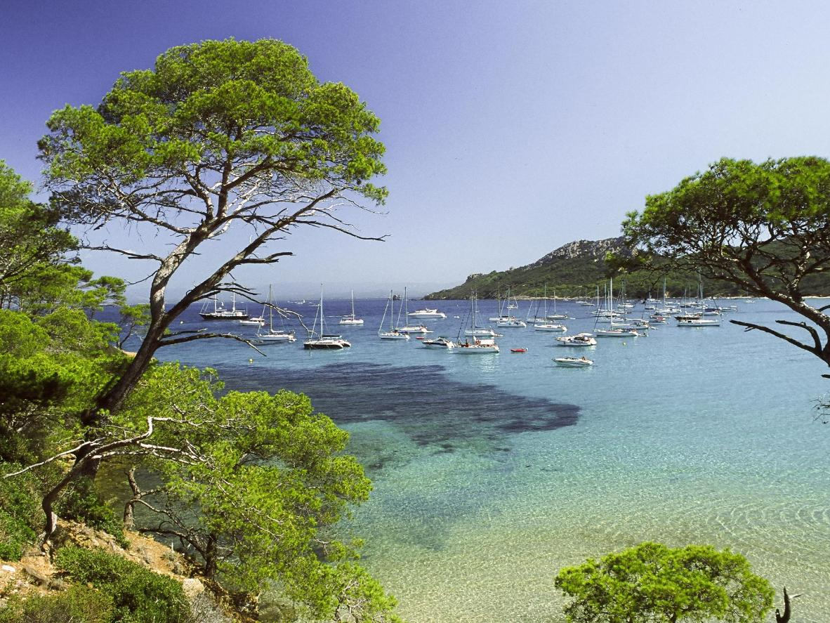 Boats on Notre Dame beach on Porquerolles