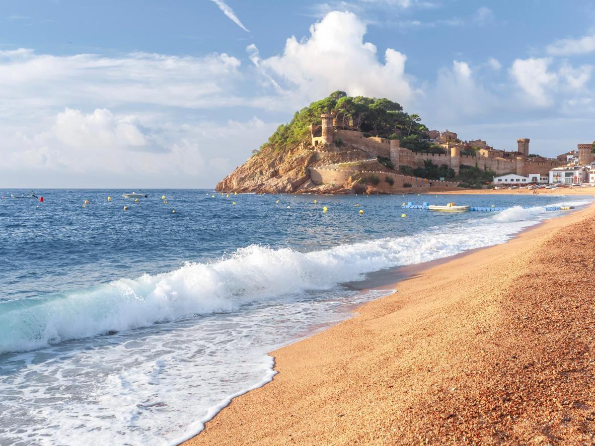 Zum Platja Gran in Tossa de Mar für einen Ausblick auf die Burg