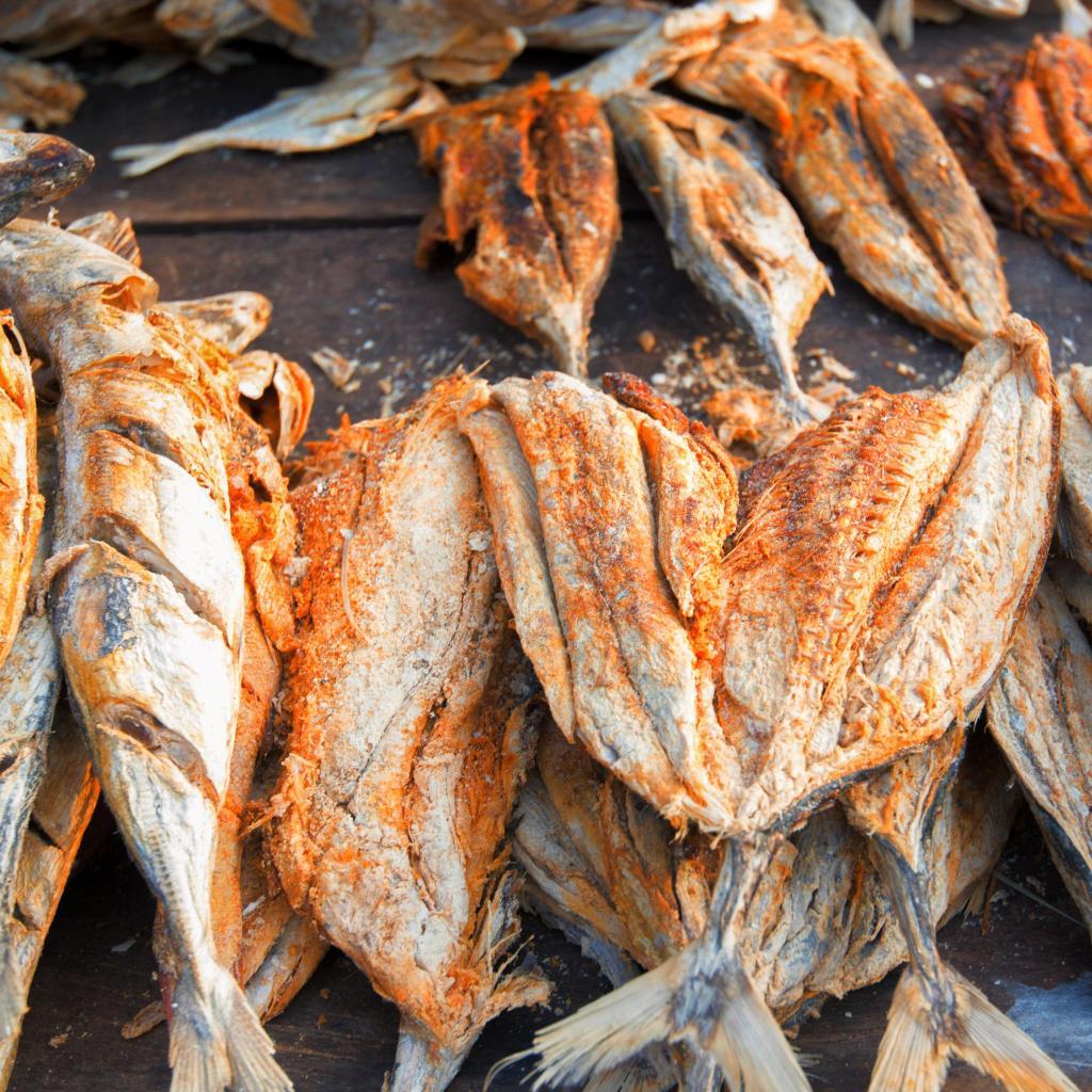 El pescado es un ingrediente muy común en la cocina de Sri Lanka, y lo encontrarás especiado con chile en todas partes