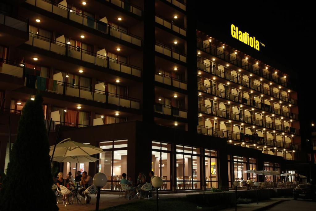 Отель  Hotel Gladiola  - отзывы Booking
