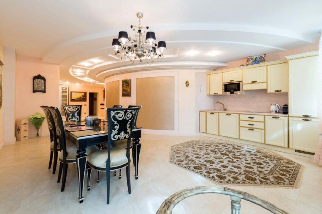 Апартаменты/квартира Апартаменты в Королевском Парке - отзывы Booking