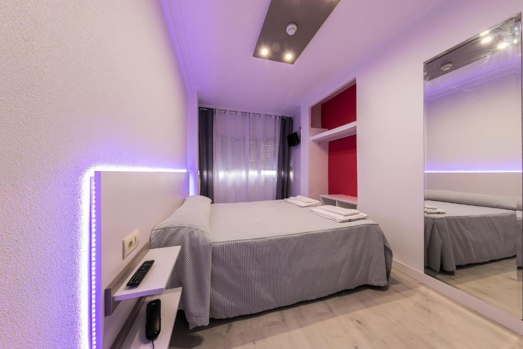 Отель  Hotel Gabriel y Galán  - отзывы Booking