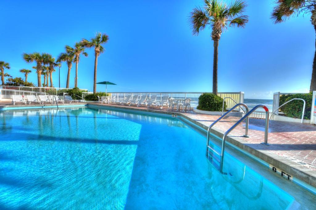 Отель  Отель  Bahama House - Daytona Beach Shores