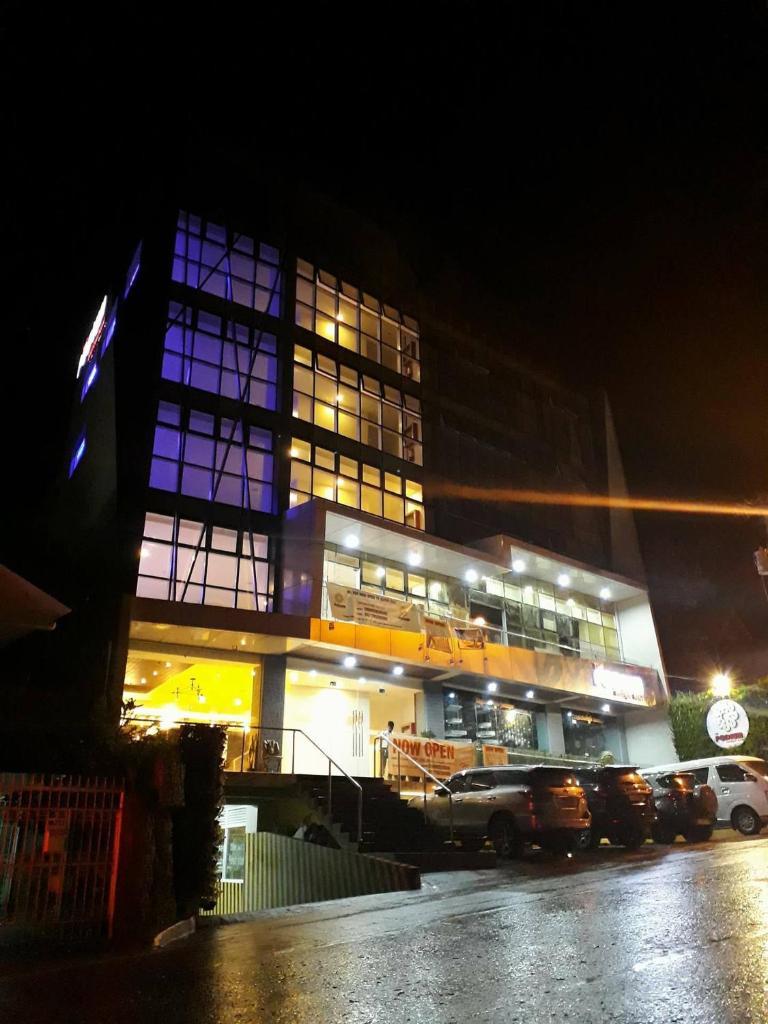 Отель  The Podium Boutique Hotel  - отзывы Booking
