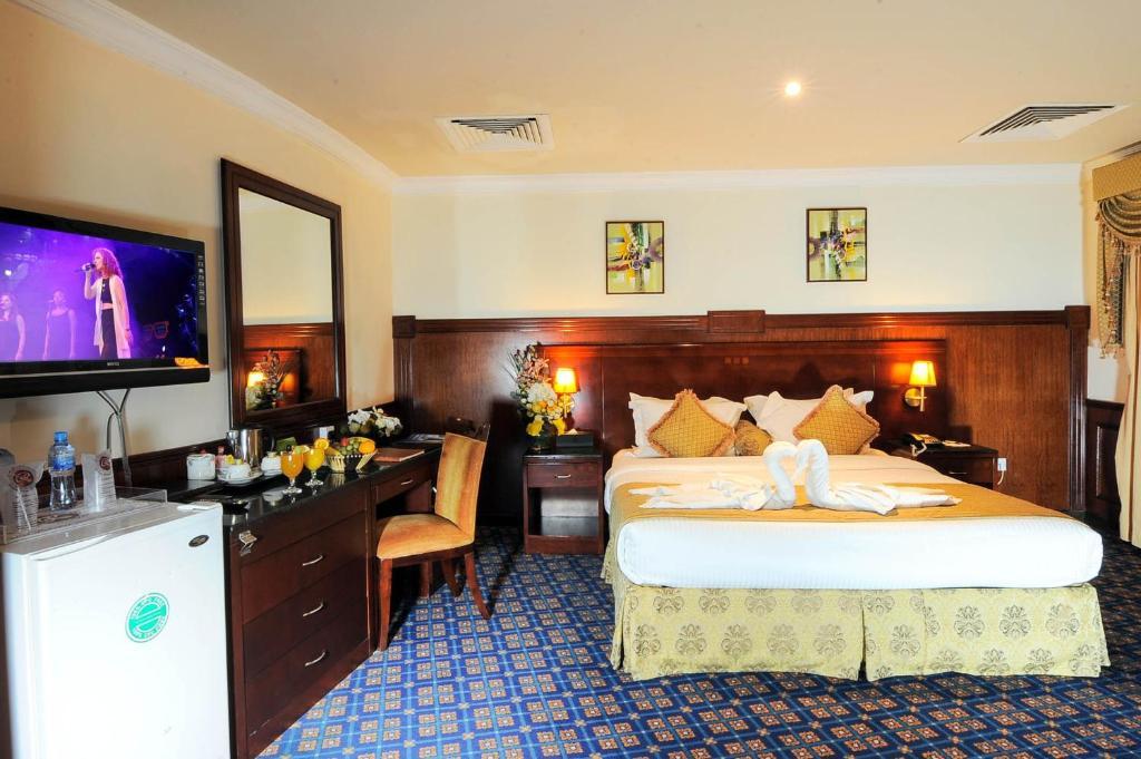 Отель Отель Ramee California Hotel