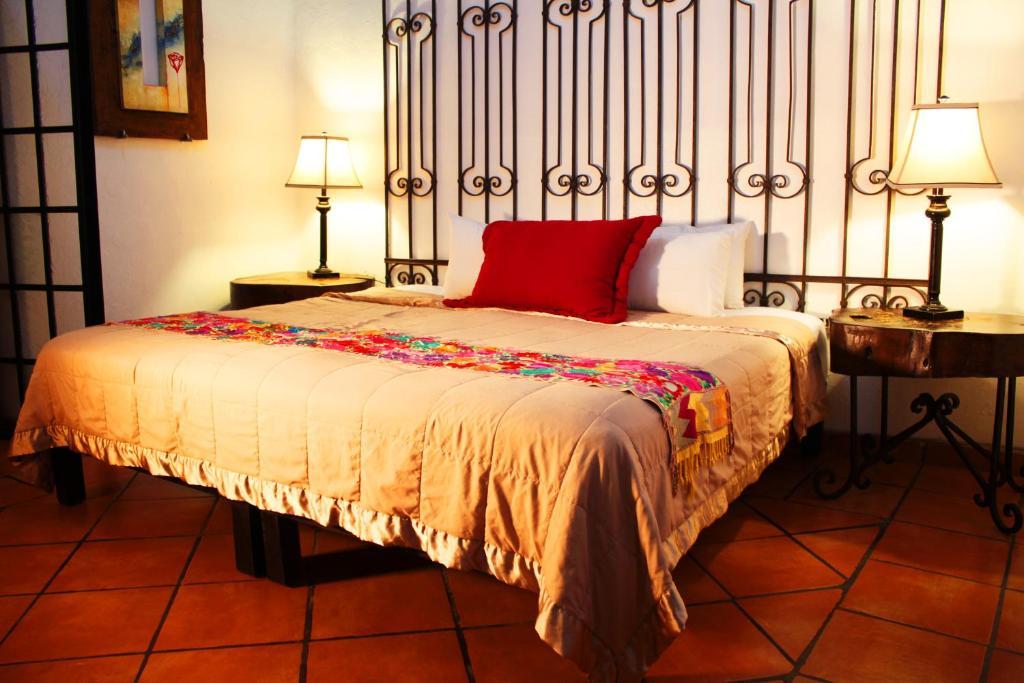 Отель  Hotel Casa Armonia