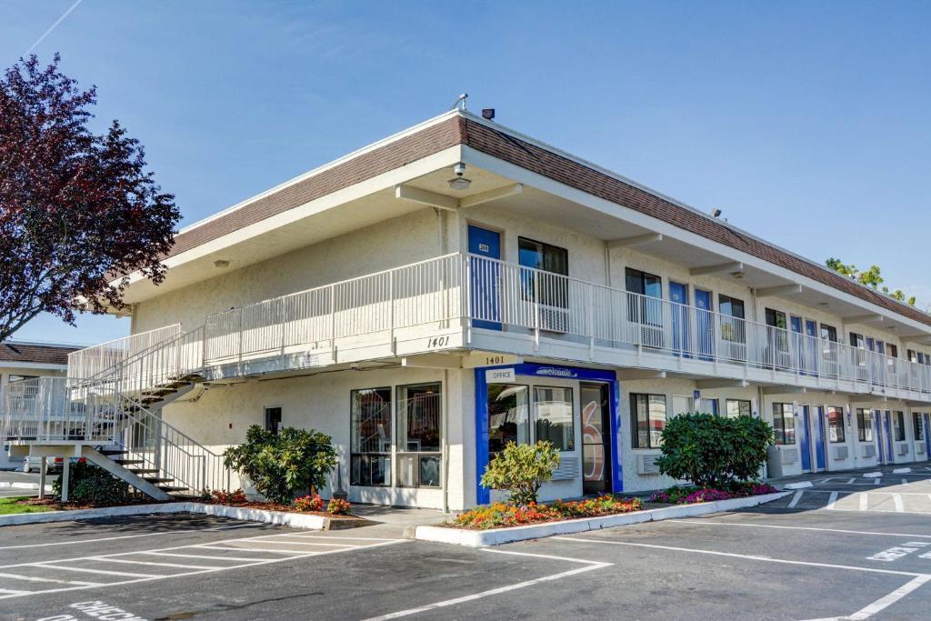 Отель  Motel 6-Salem, OR  - отзывы Booking