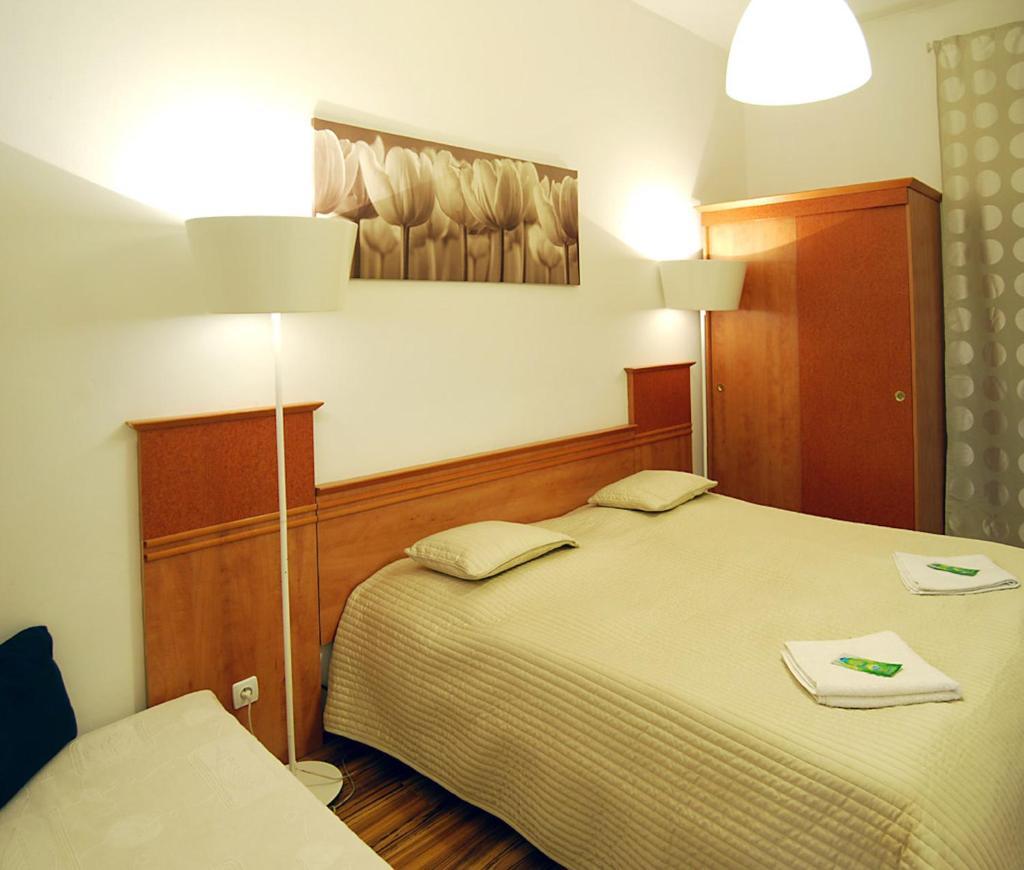 Хостел  FREE ZONE Accommodation  - отзывы Booking