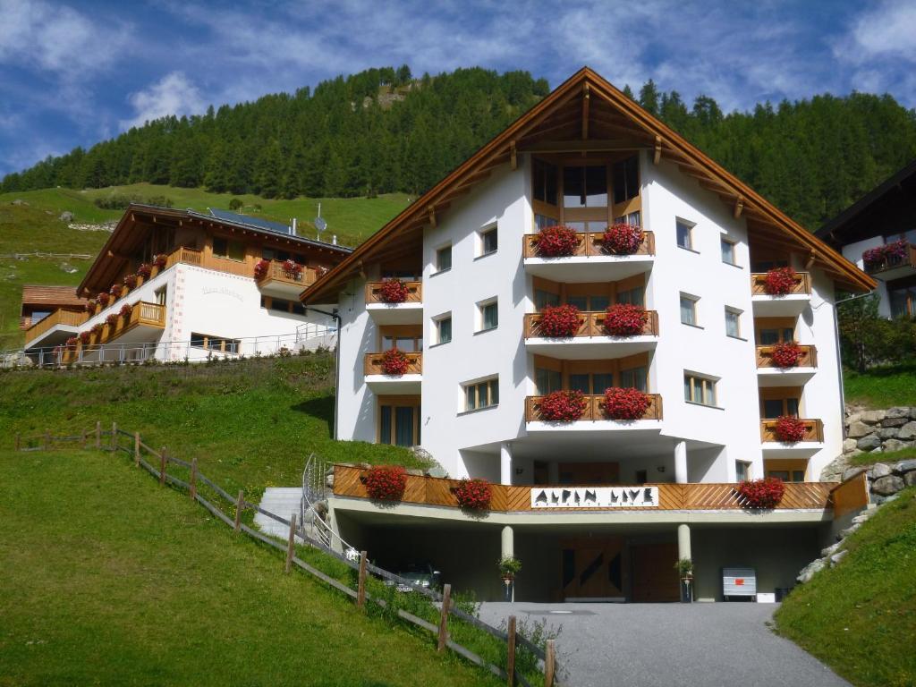 Апарт-отель  Appartements Garni Alpin Live  - отзывы Booking