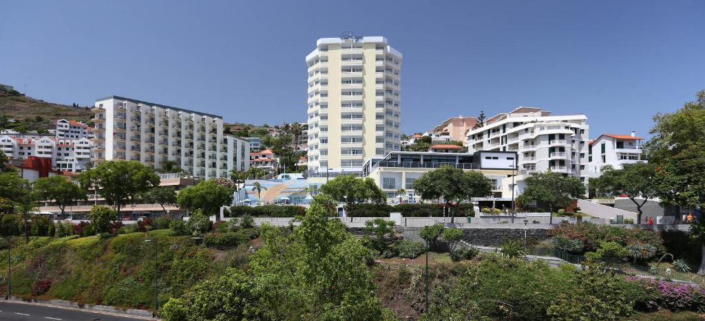 Отель  Отель  Muthu Raga Madeira Hotel