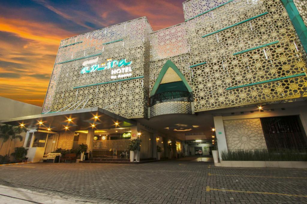 Отель Grand Amira Hotel