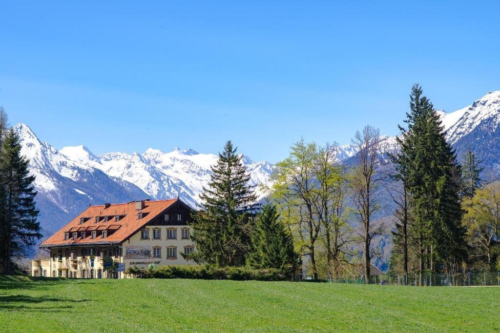 Отель  Отель  Hotel Grünwalderhof