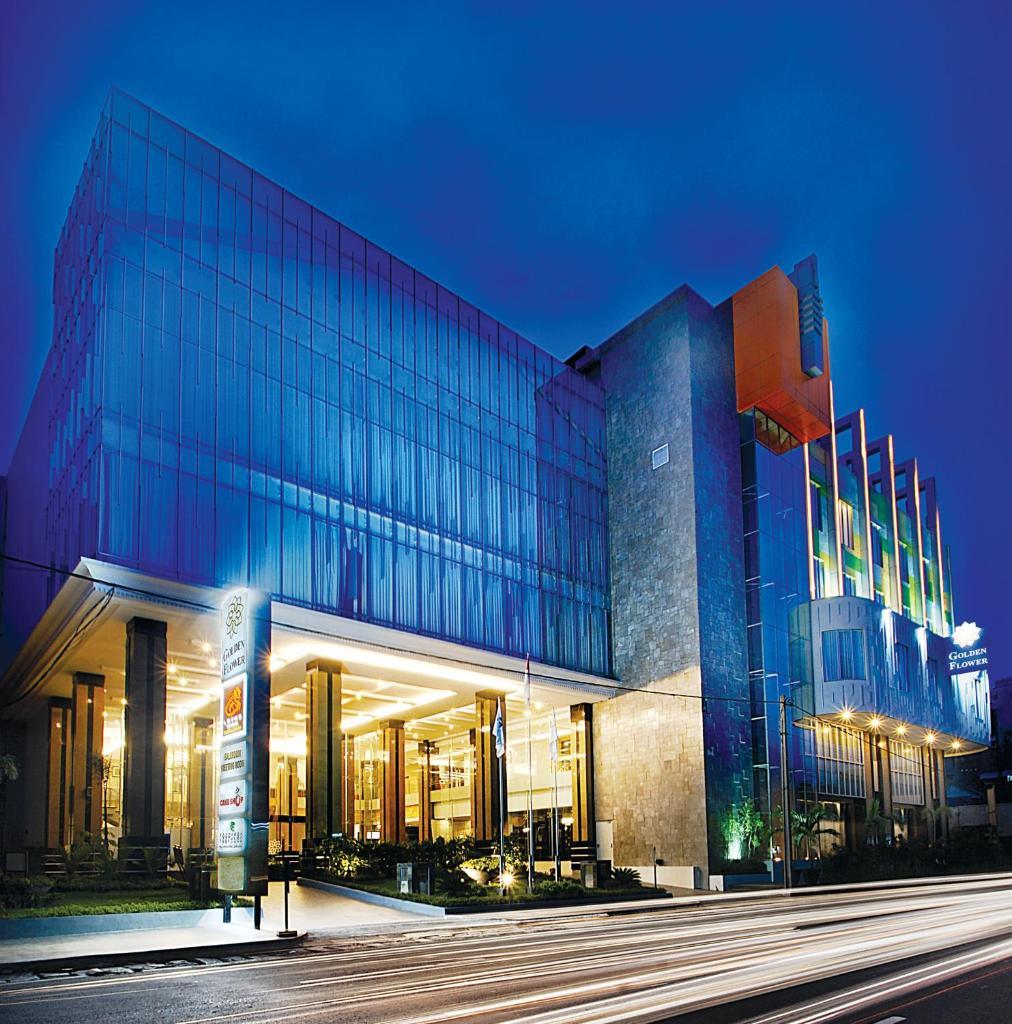 Отель  Отель  Golden Flower By KAGUM Hotels