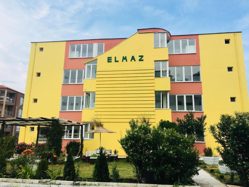 Отель  Hotel Elmaz  - отзывы Booking