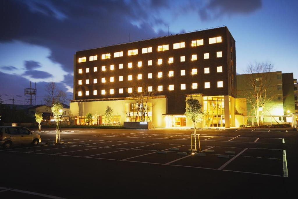 Отель  Takanokono Hotel  - отзывы Booking