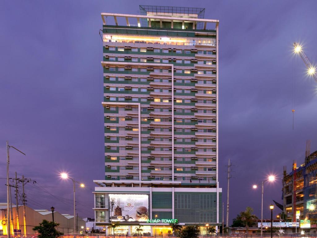 Отель  Injap Tower Hotel