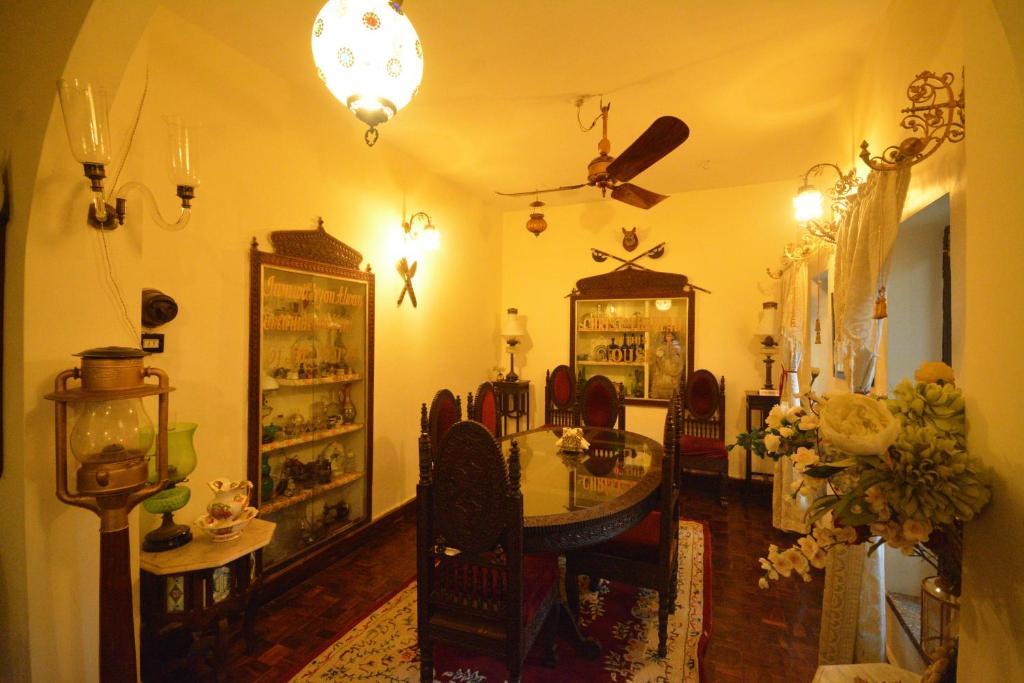Гостевой дом  Newtons Manor  - отзывы Booking