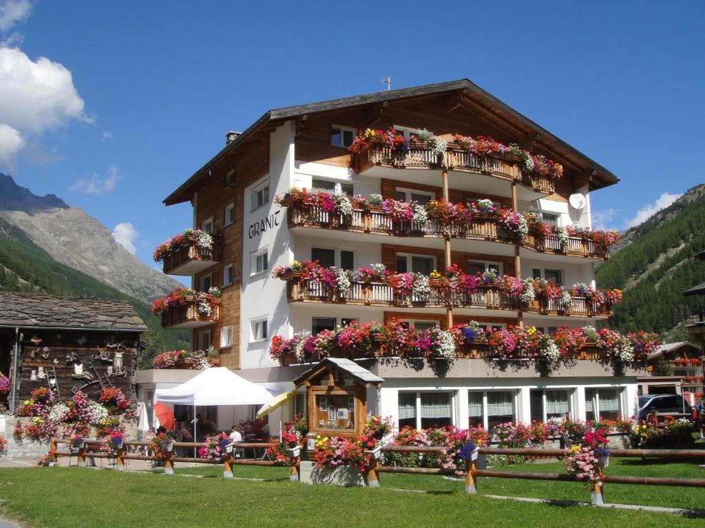 Отель типа «постель и завтрак»  B&B Haus Granit Saas Grund  - отзывы Booking