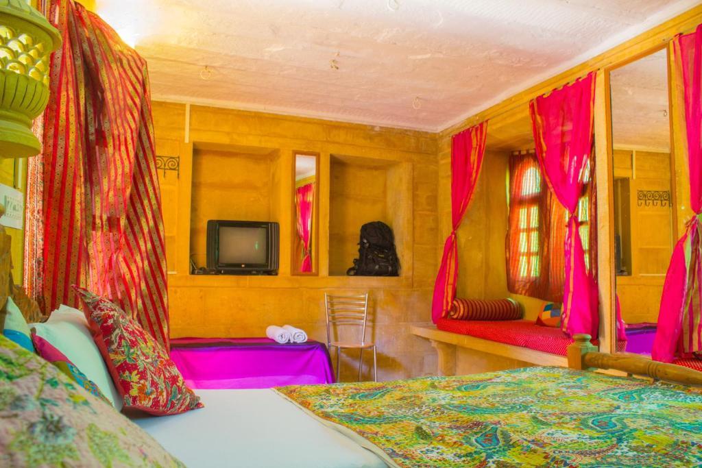 Отель  Hotel Star Haveli  - отзывы Booking